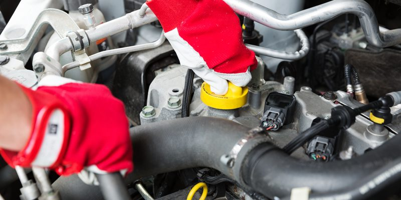 car maintenance belfast - mechanic check vehicle engine
